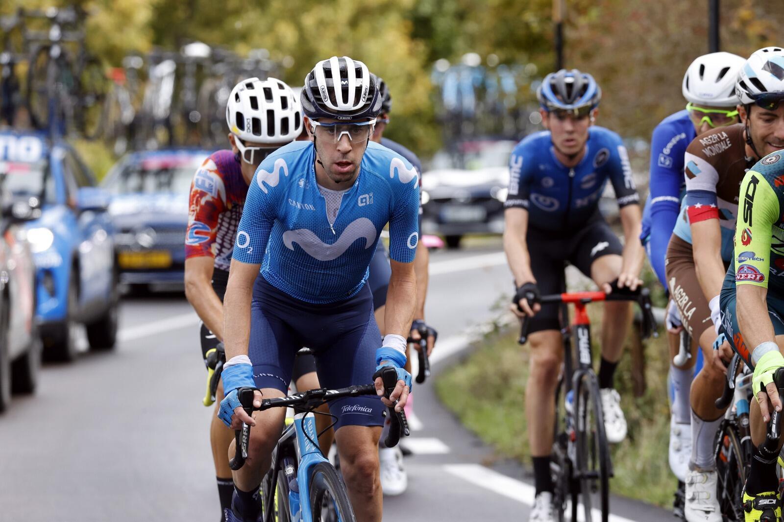 """""""¡Hoy sí que fue duro llegar a la fuga!"""", Eduardo Sepúlveda, corredor argentino de Movistar que hizo parte de la escapada de la 9ª etapa del Giro de Italia entre San Salvo y Roccaraso. 11 de octubre de 2020."""