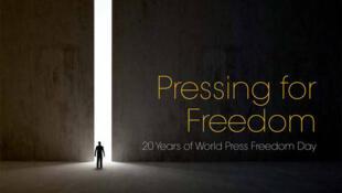 Cartaz oficial da campanha da Unesco celebrando os 20 anos do Dia da Liberdade de Imprensa.