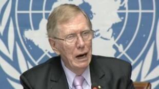 Cựu chủ tịch Ủy Ban Điều Tra Liên Hiệp Quốc về nhân quyền ở Bắc Triều Tiên, Michael Kirby.