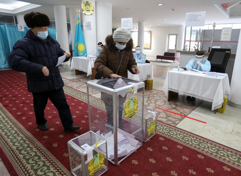 2021-01-10T044523Z_937955974_RC2S4L944QX6_RTRMADP_3_KAZAKHSTAN-ELECTION