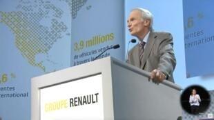 Le patron de Renault Jean-Dominique Senard devant les actionnaires de la marque au losange, le 12 juin 2019.