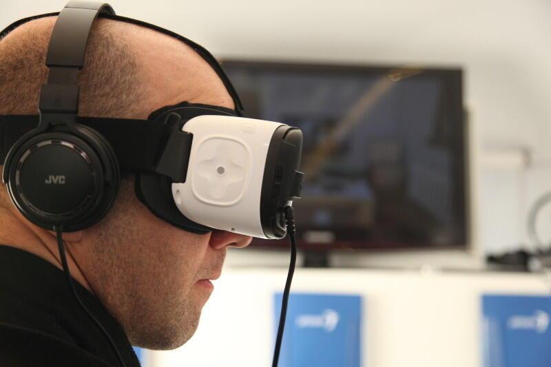 El casco de realidad virtual Schizolab.