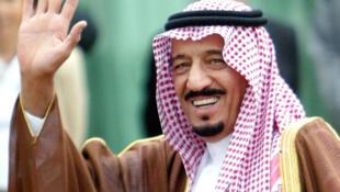 Le prince Salman ben Abdel Aziz succéde au prince Sultan, décédé en octobre, a annoncé la télévision d'Etat Ekhbariya ce samedi 5 novembre 2011.