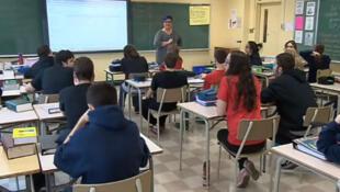 Aula de Educação Sexual para alunos da 6ª série do primeiro grau.