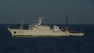 图为25日进入钓鱼岛海域的一艘中国渔政船