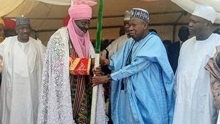 Kano State Governor Abdullahi Umar Ganduje welcomes welcomes new emir to State House, Kano 13 May, 2019