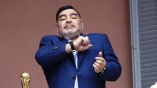 Diego Armando Maradona, gwiji wa soka aliyefariki Novemba 25, 2020. Katika picha ilikuwa ni Desemba 26, 2019 mjini Buenos Aires.