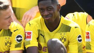 Ousmane Dembélé, âgé de 20 ans, vient de signer au FC Barcelone pour 145 millions d'euros.