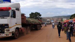 Des camions à Kasumbalesa (en février 2016), principal poste frontière avec la Zambie.