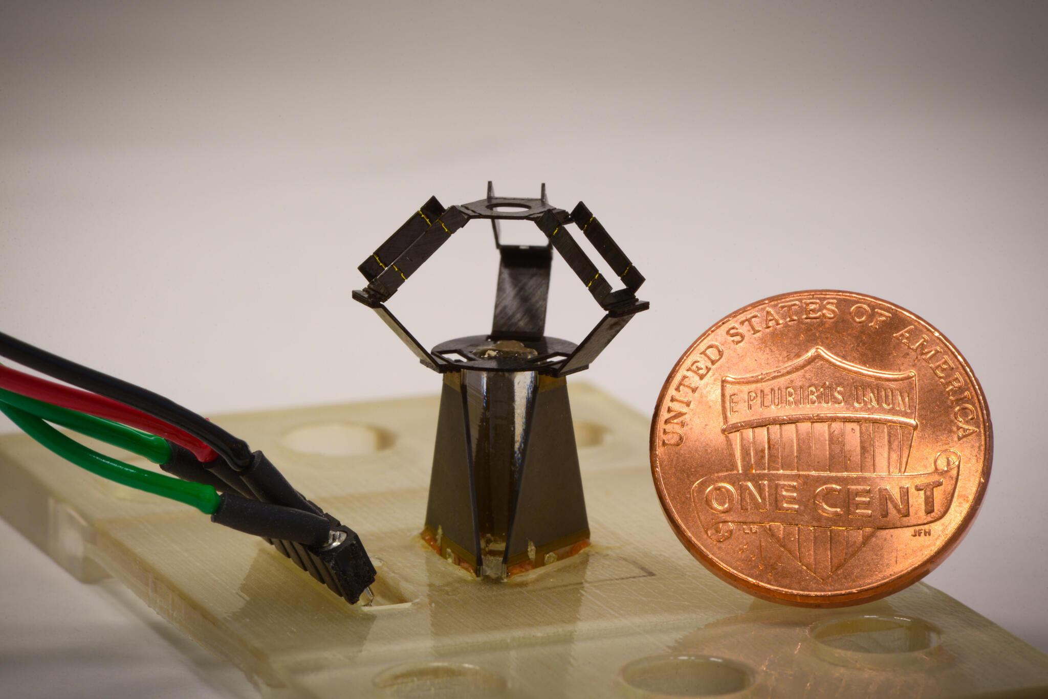 MilliDelta est le plus petit robot industriel au monde.