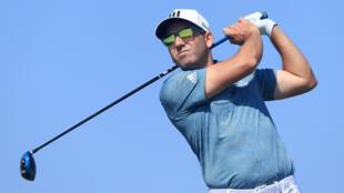 El español Sergio García se ubicó en el coliderato del torneo PGA Charles Schwab Challenge tras la primera jornada.