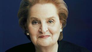 Madeleine Albright fait partie des personnes à nouveau autorisées à séjourner en Birmanie.