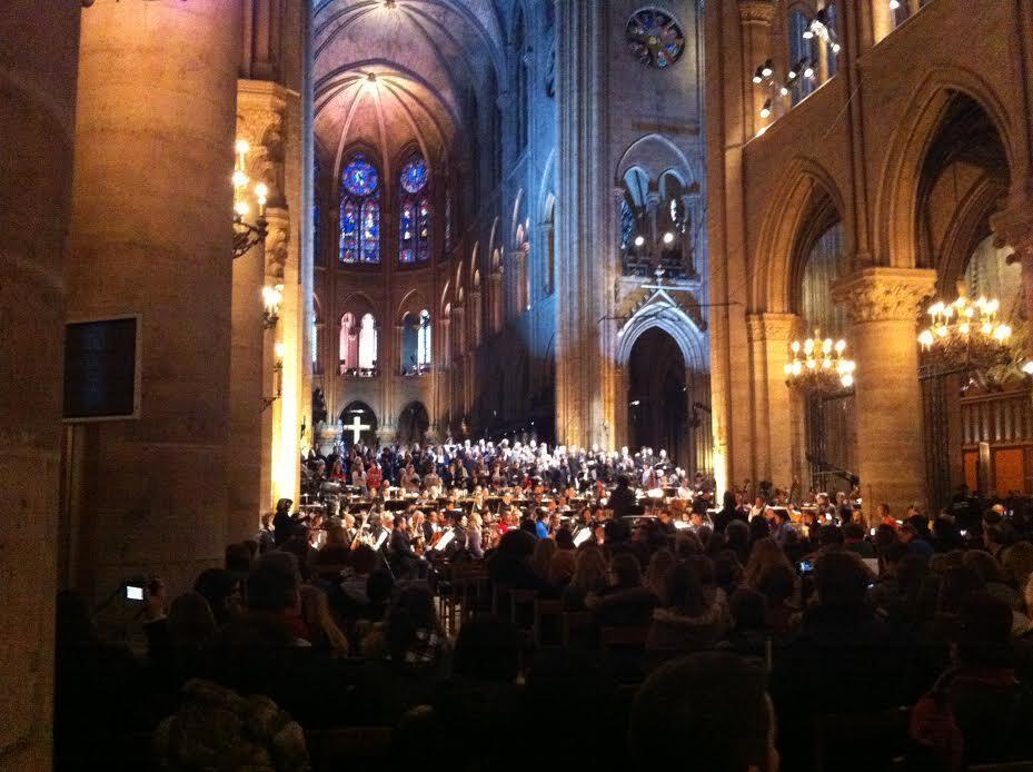Uno de los ensayos de Gustavo Dudamel en la catedral de notre-Dame.