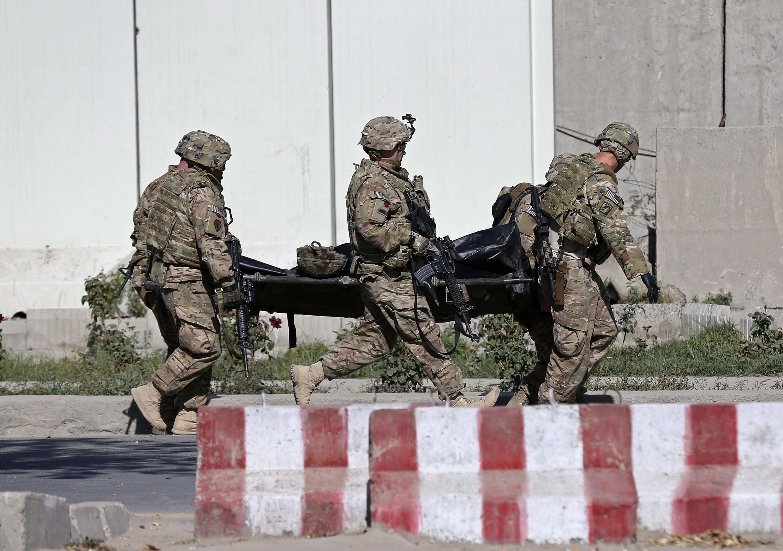 Un attentat suicide a tué trois soldats de l'Otan et blessé une quinzaine de personnes dans le centre de  Kaboul, ce 16 Septembre 2014.