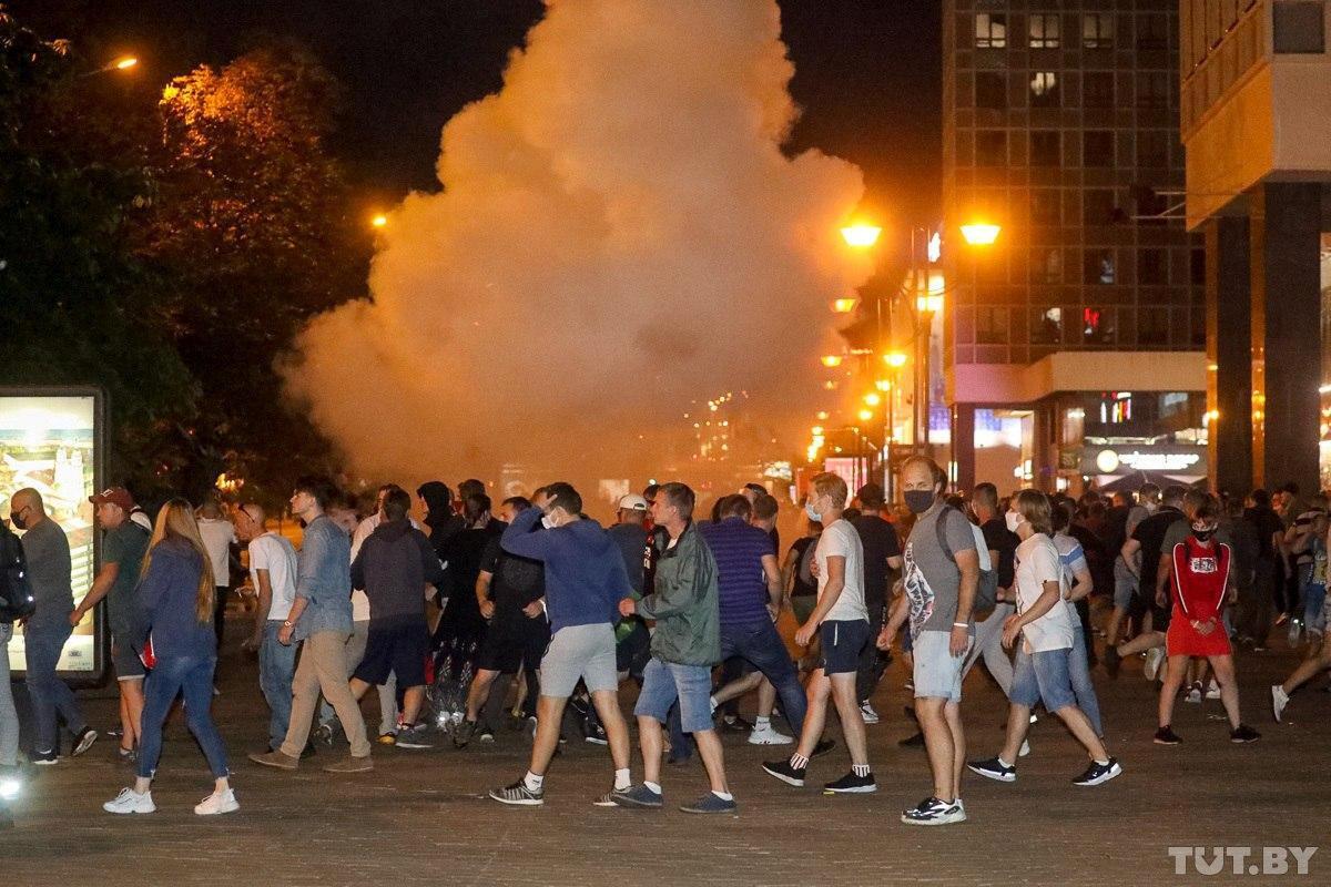 Столкновения демонстрантов и ОМОНа в Минске. Ночь с 9 на 10 августа 2020 г.