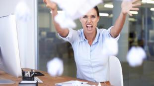 Plutôt que de tout casser sur son lieu de travail, pourquoi ne pas le faire dans une salle dédiée ?