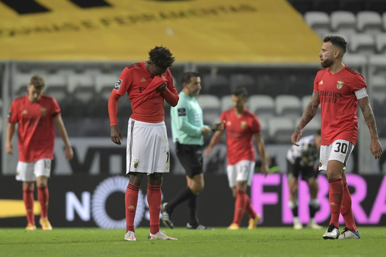 O Benfica perdeu por 3-0 na deslocação ao terreno do Boavista.