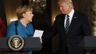 Rais wa Marekani, Donald Trump na Kansela wa Ujerumani Angela Merkel katika mkutano wapamoja na waandishi wa habari jijini Washington Machi 17, 2017.