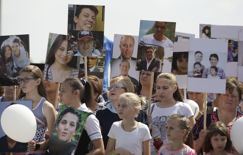 Gia đình các nạn nhân MH17 kỉ niệm 4 năm vụ tai nạn gần ngôi làng Grabovo ở vùng Donetsk do phe ly khai kiểm soát, Ukraina, ngày 17/07/2018.