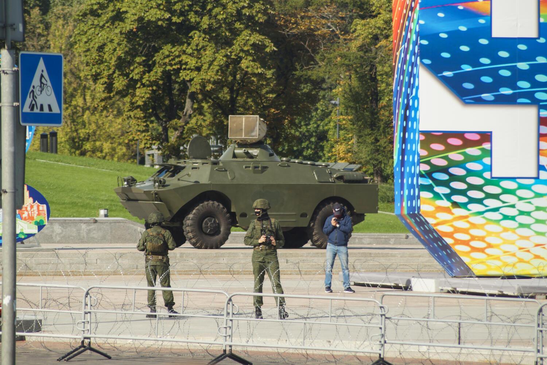 Военная техника против «Марша героев» в Минске 13 сентября 2020.