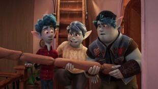 Capture d'écran de la bande-annonce d'En Avant, le dernier film des studios Pixar.