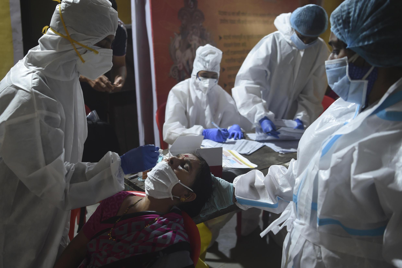 Índia superou os 5 milhões de casos de Covid-19.