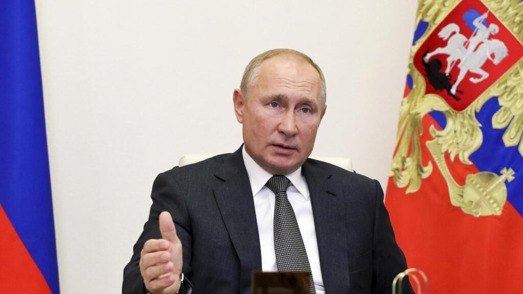 Russie: Poutine demande le début des vaccinations à grande échelle la semaine prochaine