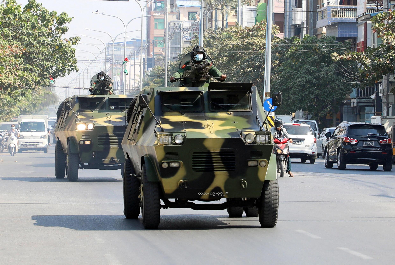 Birmanie - armée - véhicule blindé