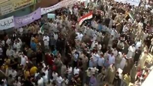 敘利亞中部哈馬市(Hama)的示威民眾(2012年1月26日)