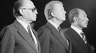 Menachem Begin, Jimmy Carter et Anouar el Sadate.
