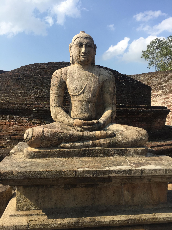 Estátua de Buda, Sri Lanka, março de 2019.