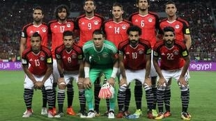 L'équipe nationale d'Egypte, le 8 octobre 2017, au Stade Borg el-Arab lors de la rencontre face au Congo-Brazzaville comptant pour les éliminatoires du Mondial 2018..