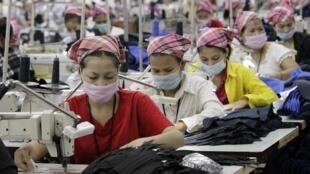 A indústria têxtil chinesa é uma das principais concorrentes do Brasil.
