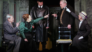 'La cantante calva' de Eugène Ionesco en el Teatro de la Huchette.