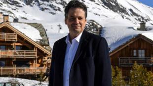 Le réalisateur français Mathias Mlekuz à l'Alpe d'Huez, le 16 janvier 2020.