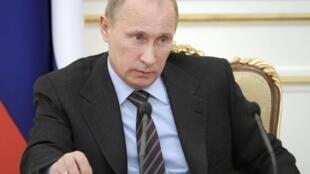 Vladimir Putin será nuevamente jefe del Estado ruso, un cargo que ocupó de 2000 a  2008, luego de obtener casi 64% de los votos en los comicios del domingo 4 de marzo de 2012 que, según la oposición fueron fraudulentos.