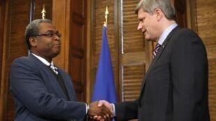Le Premier ministre haïtien Jean-Max Bellerive, arrivé le 24 janvier 2010 à Ottawa, s'est entretenu avec son homologue canadien Stephen Harper avant de rejoindre Montréal.
