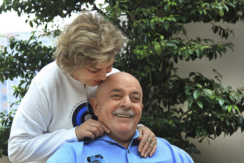 O ex-presidente Lula e sua mulher, Marisa Letícia, em São Bernardo do Campo, 16 de novembro de 2011.