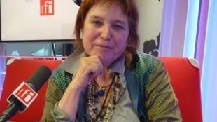 Federica Matta en los estudios de RFI