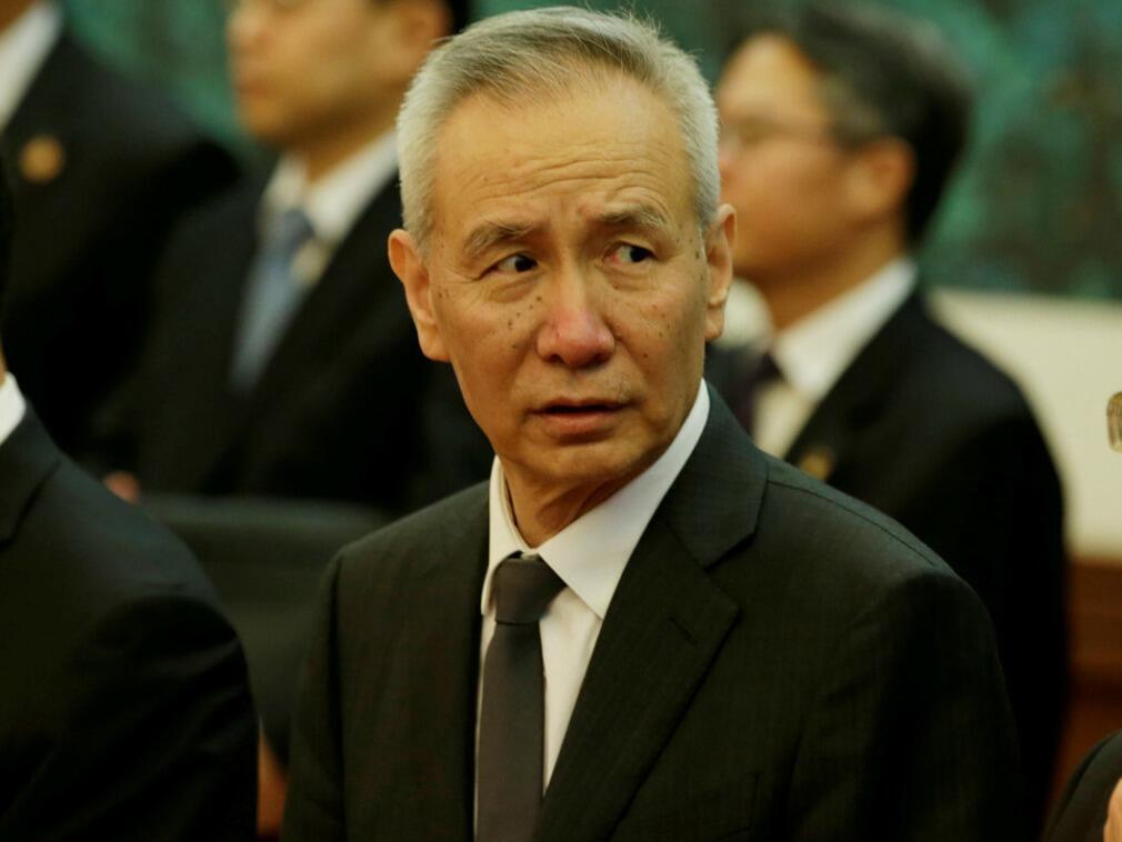 (资料图片)中国贸易谈判代表刘鹤(2018年3月1日访问美国白宫)