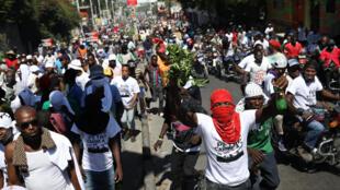 Durante las protestas en Puerto Príncipe este 17 de octubre, se registró al menos un fallecido y decenas de heridos.