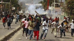 Port-au-Prince, mercredi 8 décembre 2010, protestation contre les résultats du premier tour de l'élection.