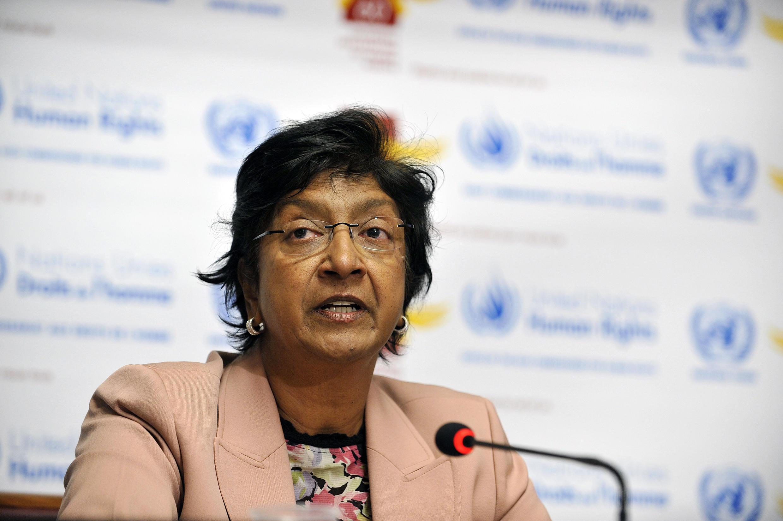 """A alta comissária de Direitos Humanos da ONU, Navi Pillay, se declarou """"preocupada"""" com os recentes ataques a acampamentos de ciganos romenos e búlgaros na França."""