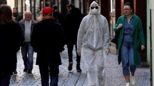 بسیاری از کشورهای جهان در مقابله با گسترش ویروس کرونا تدابیر سختگیرانهای را به اجرا گذاردند.