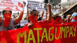 Biểu tình ủng hộ phong trào nổi dậy cộng sản tại Manila ngày 31/03/2017.