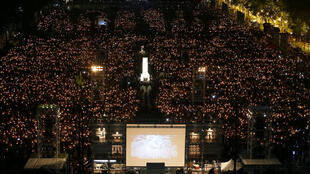 六四二十九周年之际,香港十余万市民在维园举行烛光纪念晚会。