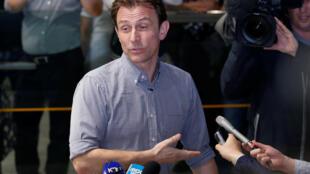 Nhà báo của đài BBC (Anh) Rupert Wingfield-Hayes tại sân bay quốc tế Bắc Kinh, ngày 09/05/2016.