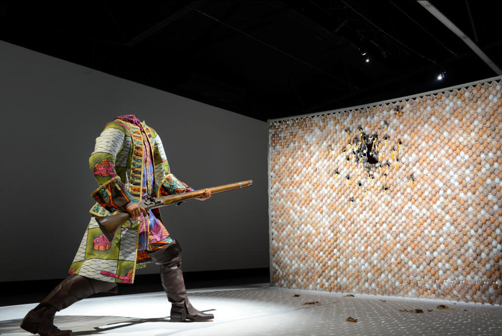 Egg Fight (2009). Copyright oeuvre : Yinka Shonibare MBE / Collection Blachère.