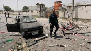 صحنهای پس از یکی از انفجارهای روز پنجشنبه سوم ماه اسد/مرداد در کابل.