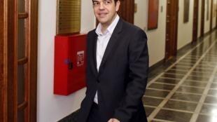 Le Premier ministre grec Alexis Tsipras se félicite de l'accord trouvé avec l'Eurogroupe, vendredi 21 février.